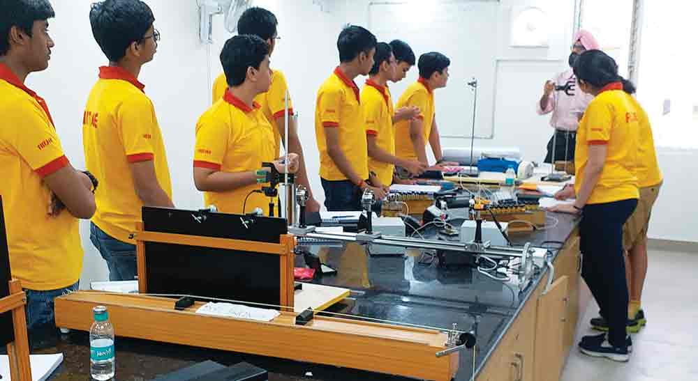 FIITJEE Punjabi Bagh (Delhi) Centre conducted an All India