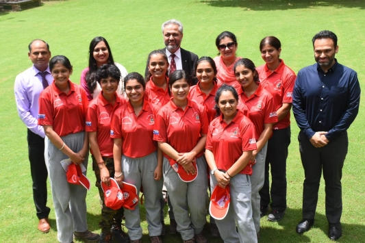 7 indian girl students